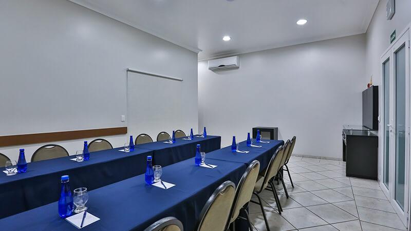 Ucayali Hotel Sala Araça 03