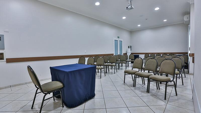 Ucayali Hotel Sala Mogno 01