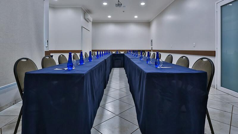 Ucayali Hotel Sala Mogno 11