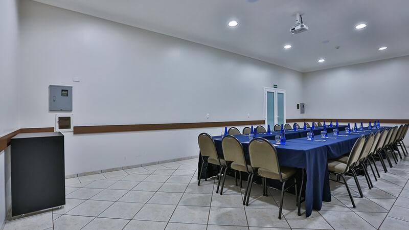 Ucayali Hotel Sala Mogno 18