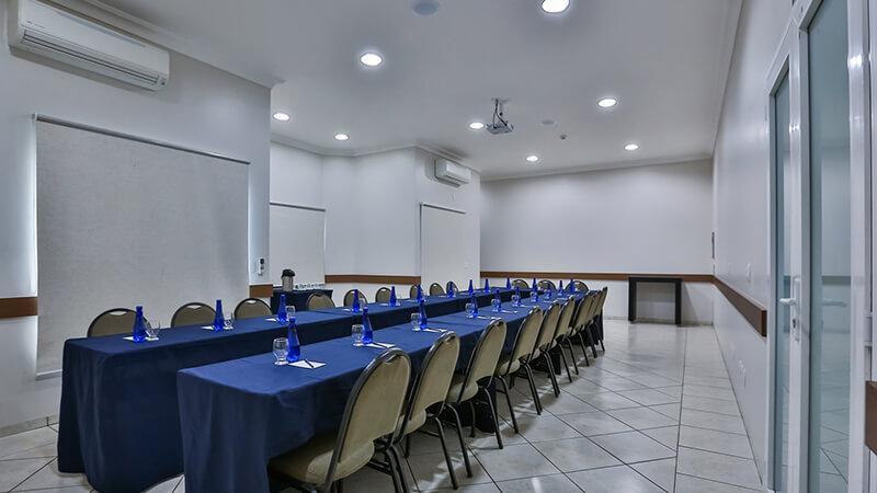 Ucayali Hotel Sala Mogno 22