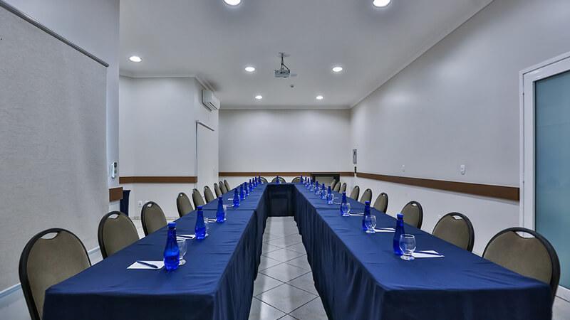 Ucayali Hotel Sala Mogno 24