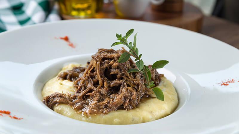 ucayali-hotel-sinop-restaurante-aruana-pratos-executivos-Carne_Polenta-3 (1)